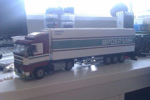 Camion Avec Semi - Remorque Lego