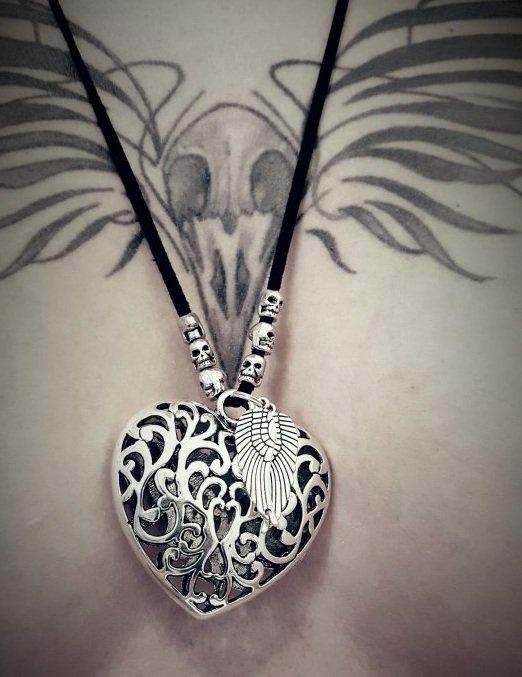 Une plume dans le coeur