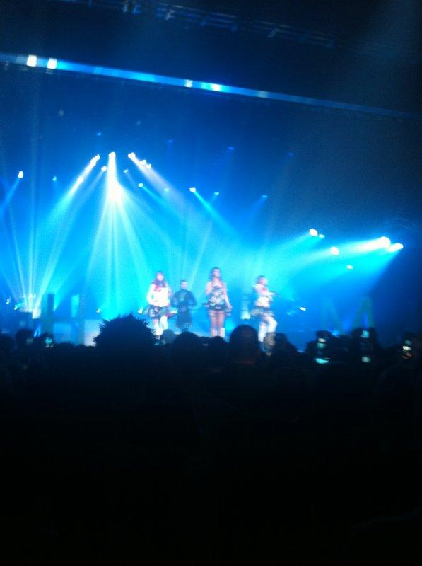 Shy'm  au Summum le 12 Avril 2012-Mon concert<3
