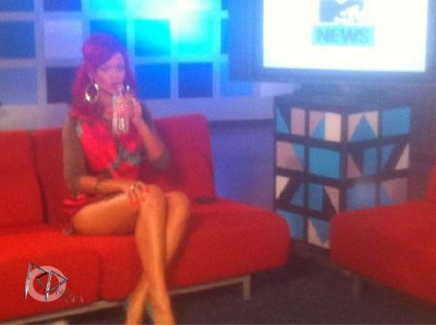 "Rihanna in the studios ""MTV"""
