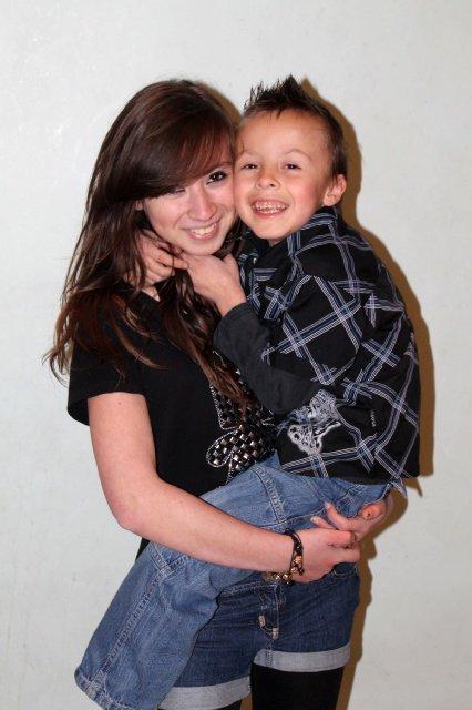 séance photo 2012 avec son petit frére mathieu