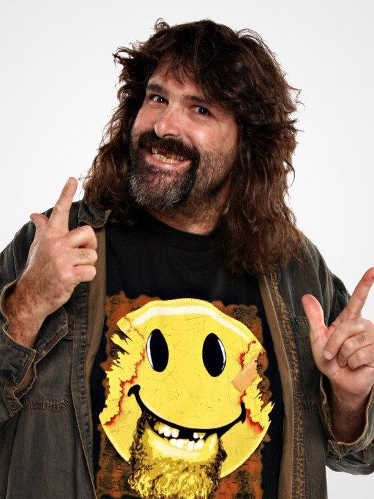 Mick Foley veut revenir à plein temps à la WWE
