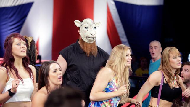 Qui accompagnait Adam Rose à Raw ?