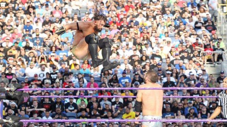 Neville conserve la couronne des Cruiserweights dans le Kickoff de Wrestlemania