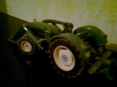 miniature ! tracteur man avec fourche !