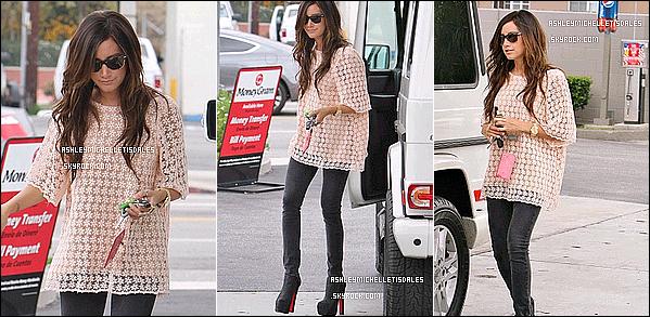 Le 08 Juin 2011 - Ashley a été repéré sortent à Studio City, et elle c'est arrêtée à une station d'essence pour remplir son réservoir de son SUV Mercedes Benz 550  . TOP OU FLOP ?