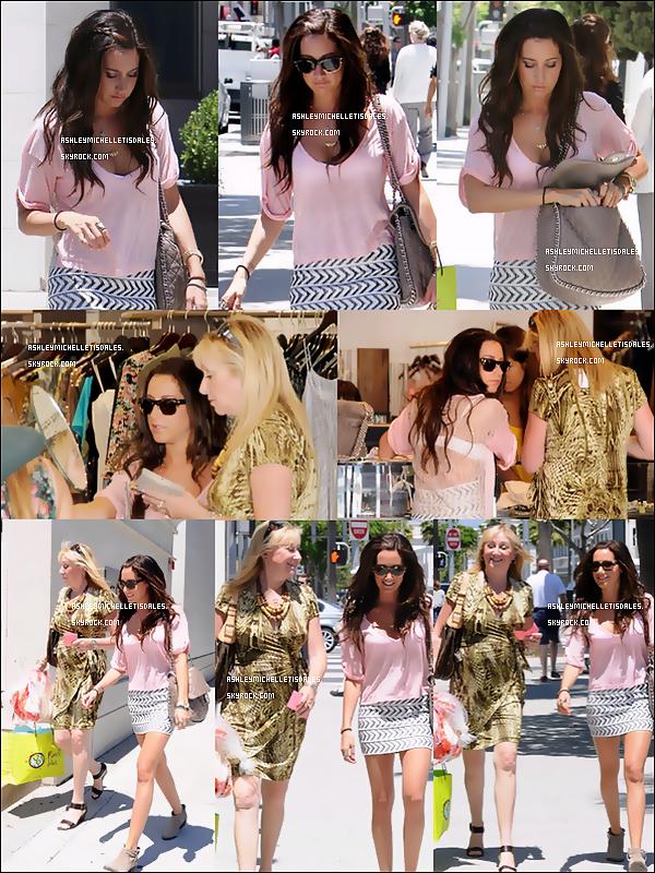 Le 30 Juin 2011 - Notre Ashou et sa maman ''Lisa'' ont été aperçues faisant du shopping à Planet Blue (la boutique favorite de Ash) à Beverly Hills. La tenue que porte Ashley est vraiment trés belle TOP et vous ?