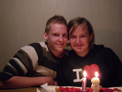 voici mon frere et moi a ses 18ans
