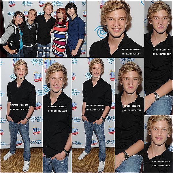 05/08/11 ♦ Cody Simpson était le soir à Radio Disney pour le 15e anniversaire de la radio.