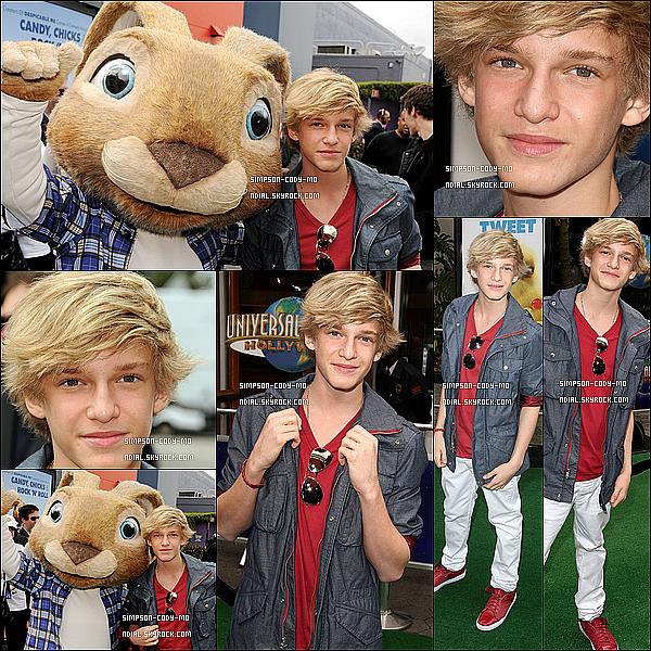 27/03/11 ♦ Cody Simpson était à l'avant première de Hop held à Universal City.