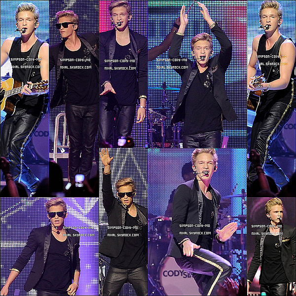 02/12/12 ♦ Cody Simpson était au Much Music's 2012 Big Jingle à Toronto.