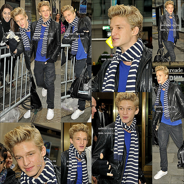 08/11/12 ♦ Cody Simpson a été vu arrivant au Today Show à New York.