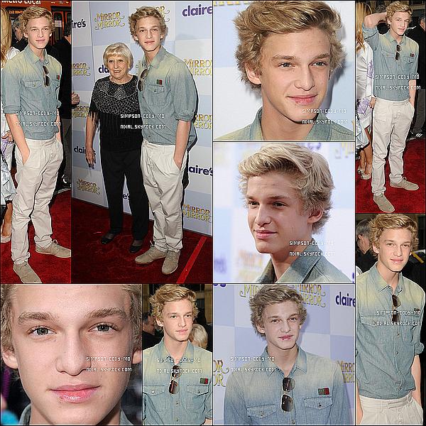 """17/03/12 ♦ Cody Simpson était présent à l'avant première du film """"Mirror Mirror"""" avec sa grand-mère à Los Angeles, CA ."""