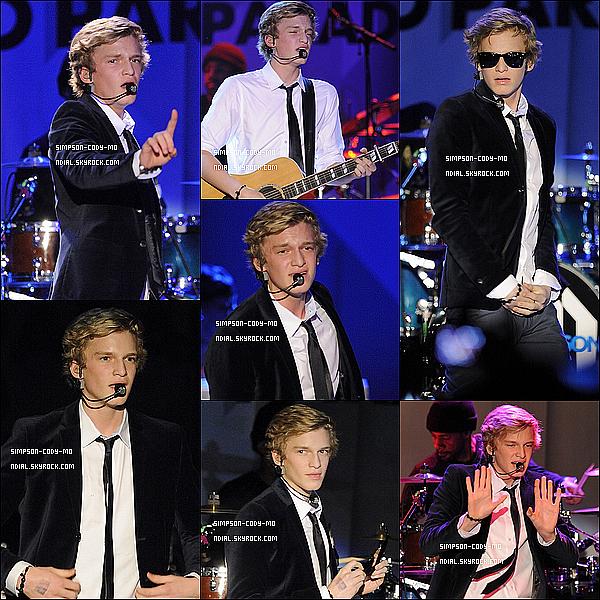 07/02/12 ♦ Cody Simpson a performé au Phoenix Concert Theatre à Toronto .