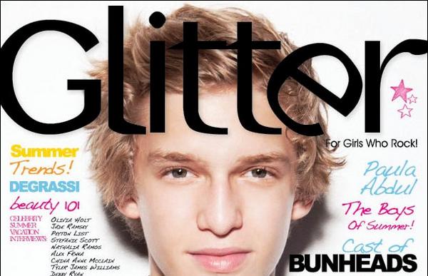 Couverture ♦ Cody Simpson est en couverture du magazine Glitter, numéro de l'été 2012.