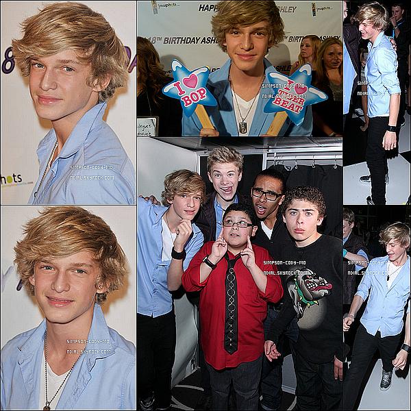 29/01/11 ♦ Cody Simpson était au 18e anniversaire d'Ashley Argota avec sa soeur.