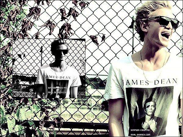 01/09/12 ♦ Cody Simpson a posté deux photos similaires sur Instagram .