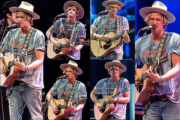 06/04/15 ♦ Cody Simpson s'est rendu à l'émission Good Day New York à New York.