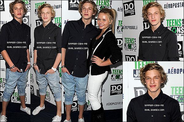 10/01/12 ♦ Cody Simpson était au Palihouse pour la campagne Teens For Jeans à W-H.