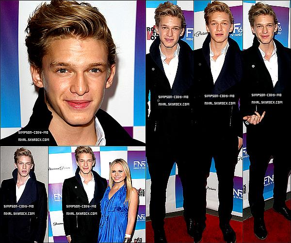 """08/02/13 ♦ Cody Simpson était présent à la soirée des Grammy Awards """"Friends'N'Family"""" qui se déroulait au Paramount Studio dans Los Angeles. Il été accompagné de sa soeur, Alli."""