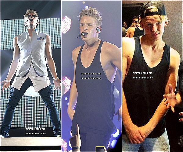 14/06/13 ♦ Cody Simpson a performé au Club Nokia et Justin Bieber lui à fait la surprise d'être là.