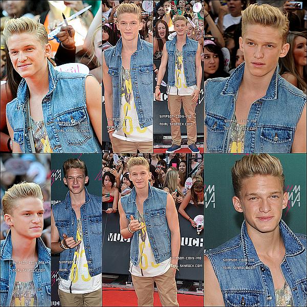 16/06/13 ♦ Cody Simpson était à la cérémonie des Much Music Video Awards 2013 à Toronto.
