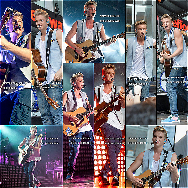 18/07/13 ♦ Cody Simpson a performé au Best Buy Theater dans la soirée à New York.19/07/13 ♦ Le matin, Cody Simpson a performé pour Fox & Friends et a parlé de Surfer's Paradise.