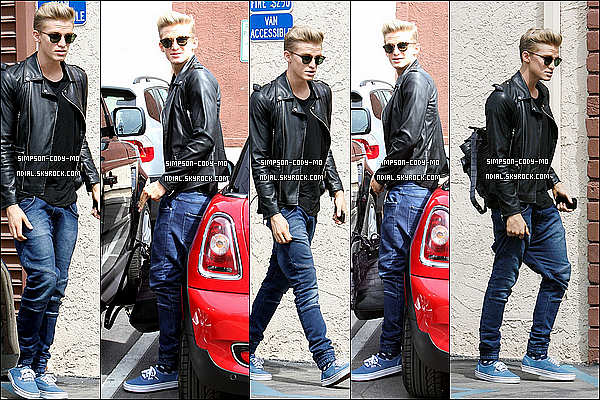 28/03/14 ♦ Cody Simpson & Witney Carson ont été vu quittant un studio de danse à Los Angeles.