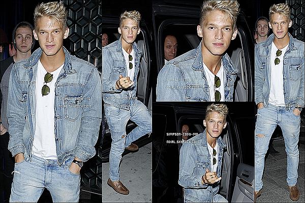 29/07/14 ♦ Cody Simpson a été vu dans les rues de Beverly Hills.