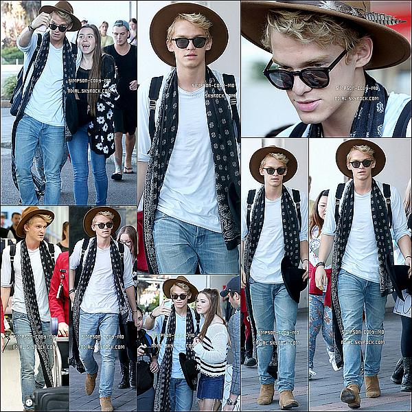 23/09/14 ♦ Cody Simpson a été vu arrivant l'aéroport de Sydney en Austalie.