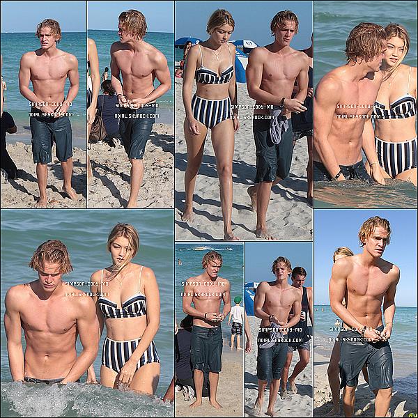 15/03/15 ♦ Cody Simpson et sa belle Gigi ont été faire un tour sur la plage de Miami.