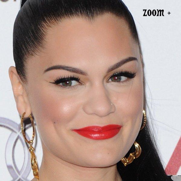 Jessie J au 02 Silver Clef Awards