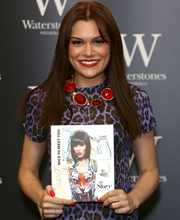Jessie J en séance de dédicaces à Londres !