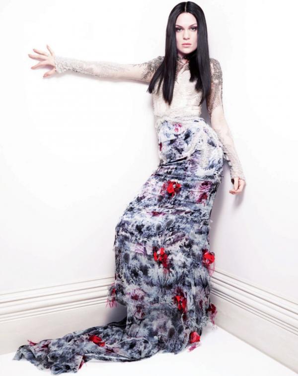 Découvrez le photoshoot de Jessie J de ELLE UK