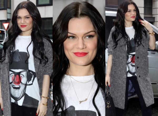 Jessie J aperçu dans les studios de la BBC Radio 2 le 31 Janvier 2013, à Londres.