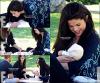 20.06 - Selena a été aperçu avec sa famille et sa petite soeur, faisant un pique-nique, à Los Angeles