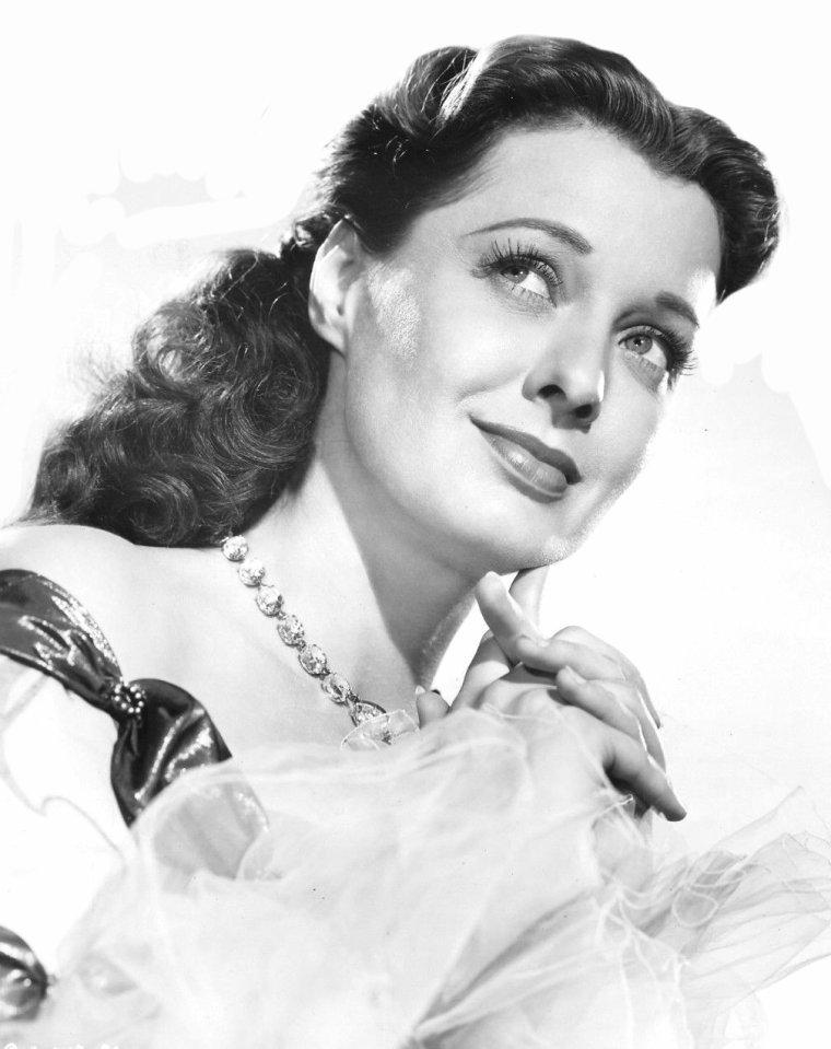 Gail RUSSELL (21 Septembre 1924 / 26 Août 1961) (36 ans, elle meurt prématurément d'un arrêt cardiaque consécutif à une surdose d'alcool)