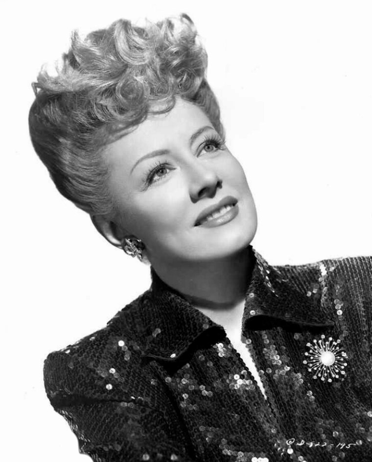 Irene DUNNE (20 Décembre 1898 / 4 Septembre 1990) (91 ans, crise cardiaque)