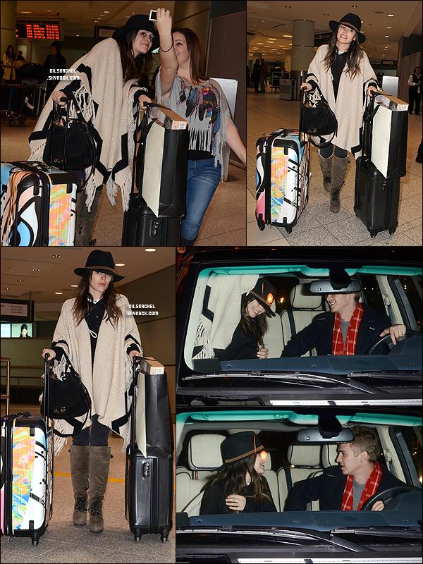 04/01/2012: Rachel se baladait en compagnie de sa mère dans Los Feliz.