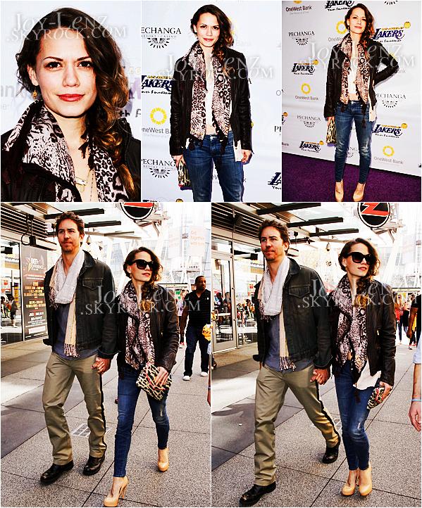 10 Mars 2013 - Bethany et son chéri Wes Ramsey (Wyatt dans Charmed) se sont rendus au Staples Center pour la Lakers Casino Night.