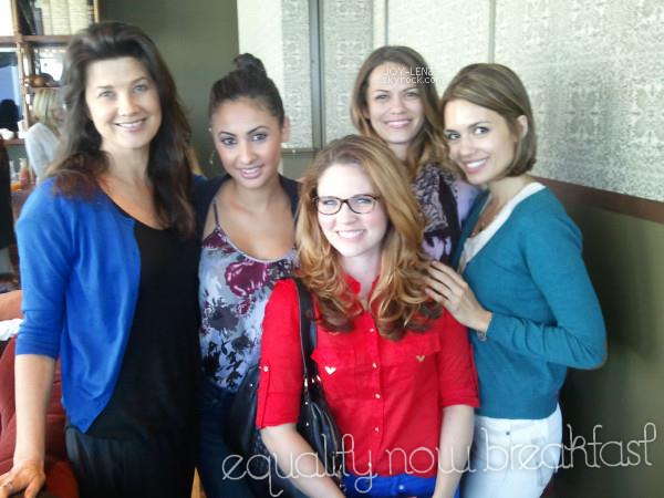04 Octobre 2012 - Joy a retrouvé ses co-stars de One Tree Hill, Daphne Zuniga (Victoria Davis) et Torrey DeVitto (Carrie) au déjeuner pour Equality Now qui est une ONG qui défend les droits des femmes.