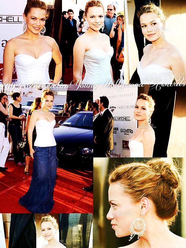 02 Mai 2004 - Joy était présente au Movieline Young Hollywood Awards. Rien de mieux qu'un top blanc et un truc en jean, même si je ne suis pas très fan de sa jupe, elle reste magnifique, TOP.