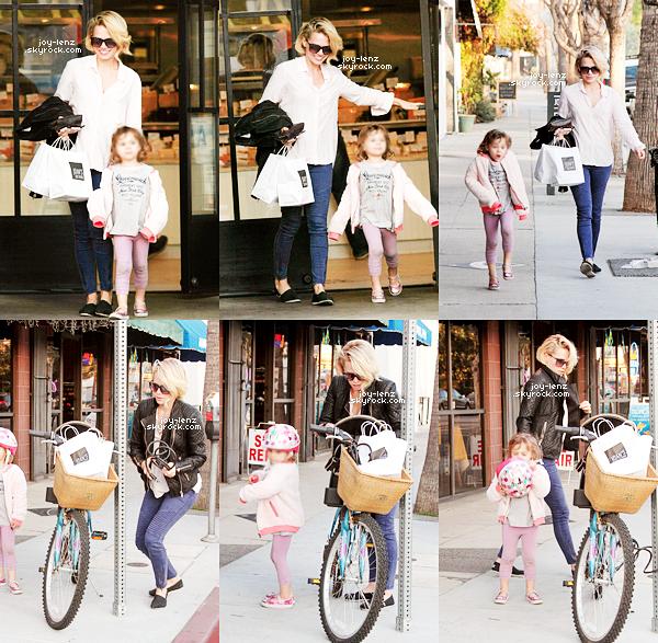 19 Février 2015 - Bethany Joy et sa fille Maria étaient à Studio City.