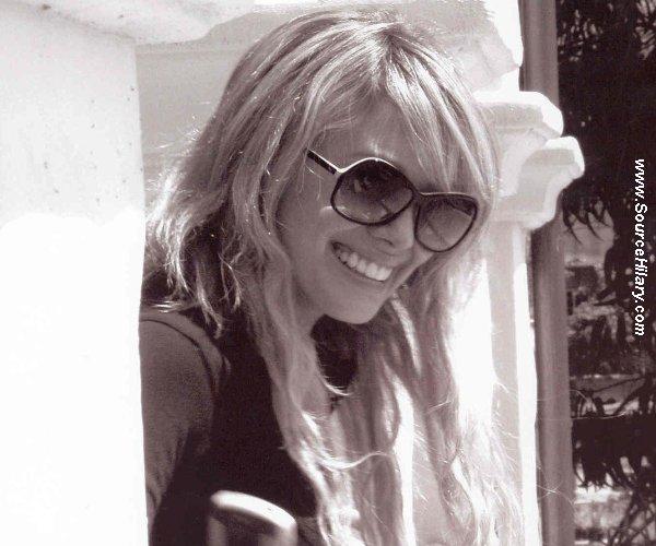 Bienvenue sur SourceHilaryCe blog sera entierement consacré a la Talentueuse Hilary duff :D♥
