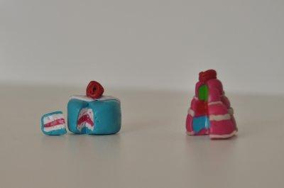 Petits gâteaux décoratif accompagnés de leur part