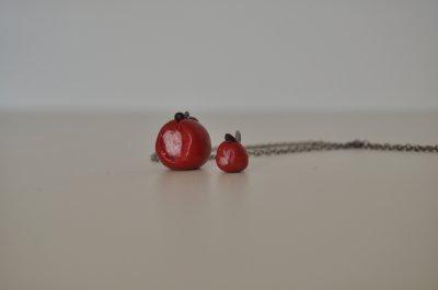 Pendentif  pomme croquée et mini pendentif pour bracelet