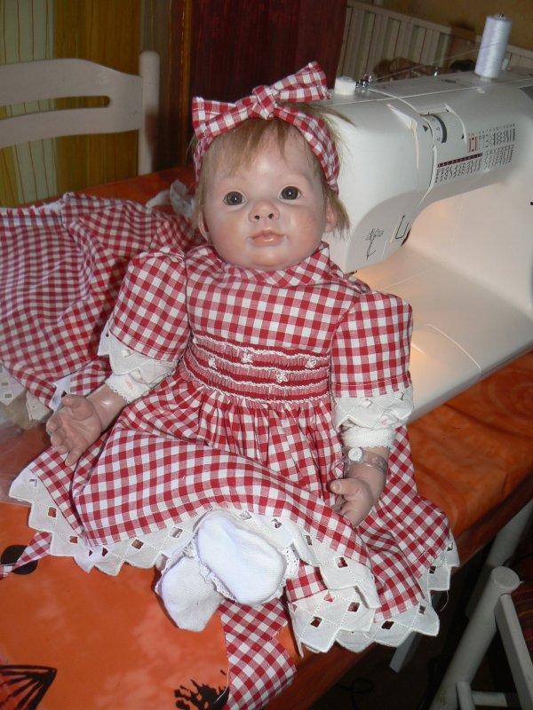 charlotte  a une nouvelle robe