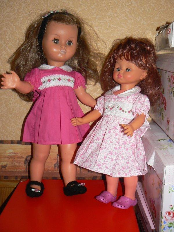 les poupettes bella et michelina ( merci a poupees jolies  et manoucrea pour ces belles robes)