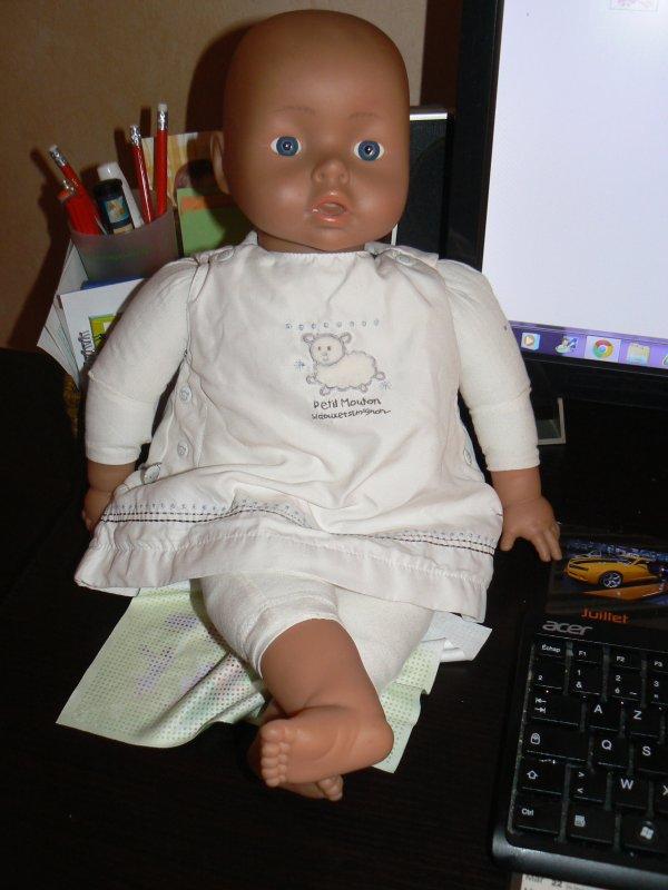 achat sur mon vide grenier hier  poupée lissi de 46cm