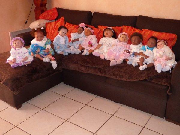 les petits au grand complet attendent l'arrivée d'un petit frère et d'une petite soeur